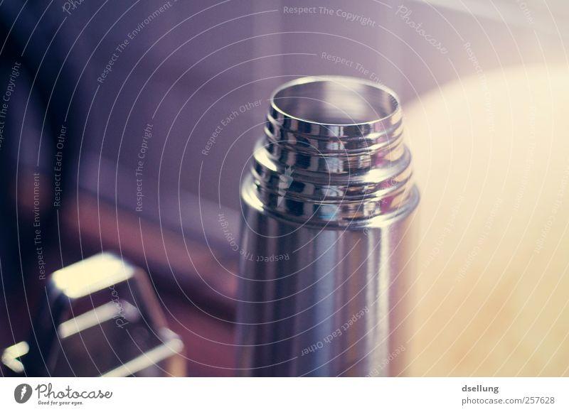 Küchenkunst Heißgetränk Kaffee Tee Thermoskanne thermosflasche Stahl fest glänzend kalt nachhaltig Sauberkeit blau braun gelb grau violett silber Edelstahl