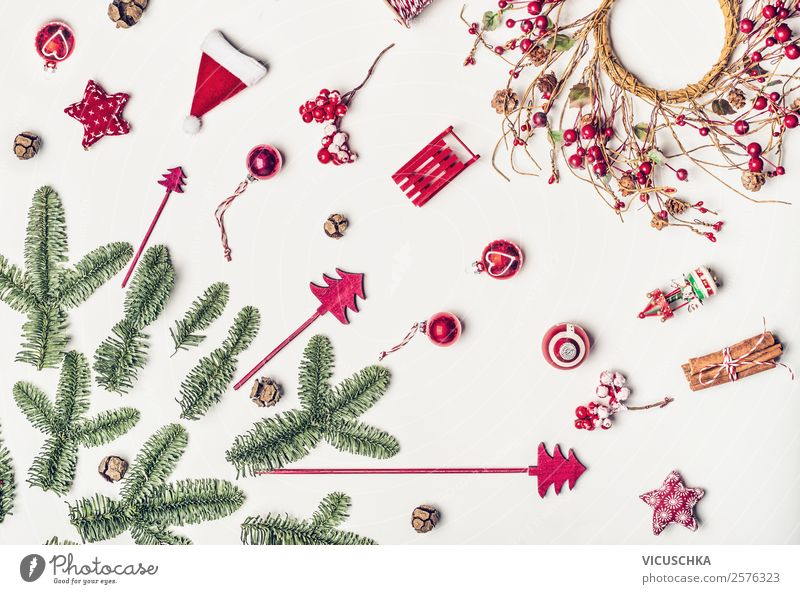 Weihnachten Dekoration mit Tannenzweige on white Lifestyle kaufen Stil Design Winter Dekoration & Verzierung Feste & Feiern Weihnachten & Advent Ornament trendy