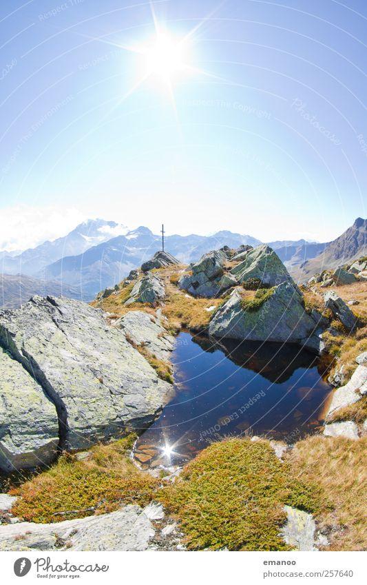 Gebirgswasser Himmel Natur blau Wasser Sonne Ferien & Urlaub & Reisen Sommer ruhig Ferne Erholung Umwelt Landschaft Berge u. Gebirge Freiheit Wärme Wetter