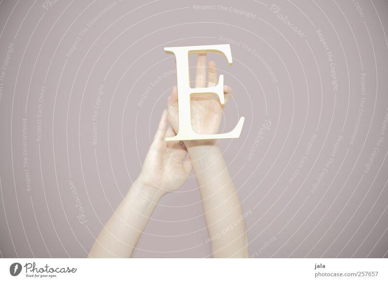 figure based on experience Hand Arme elegant Finger ästhetisch Schriftzeichen zeigen haltend