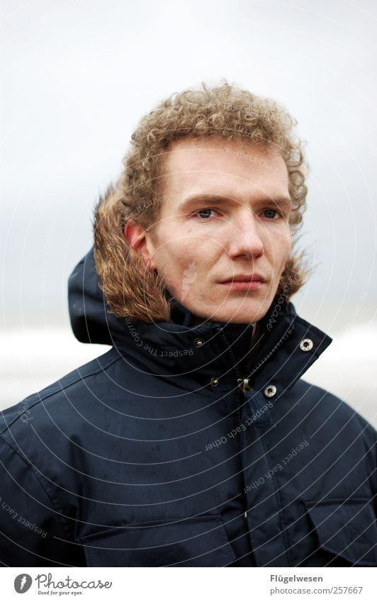 Was bringt 2012? Lifestyle schön Haare & Frisuren maskulin Junger Mann Jugendliche Erwachsene Mensch Wolken Klimawandel schlechtes Wetter Strand Nordsee Ostsee