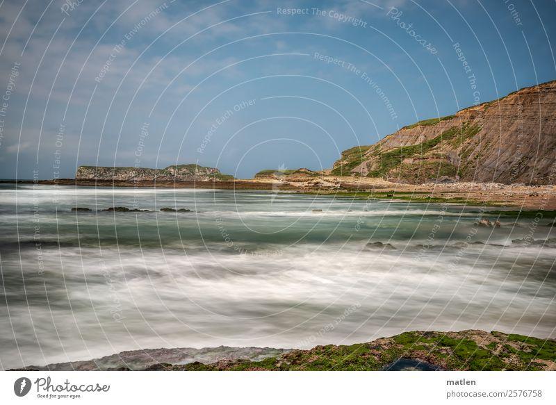 Gestade Landschaft Himmel Wolken Horizont Sommer Schönes Wetter Felsen Berge u. Gebirge Wellen Küste Strand Bucht Meer Menschenleer maritim blau braun grün