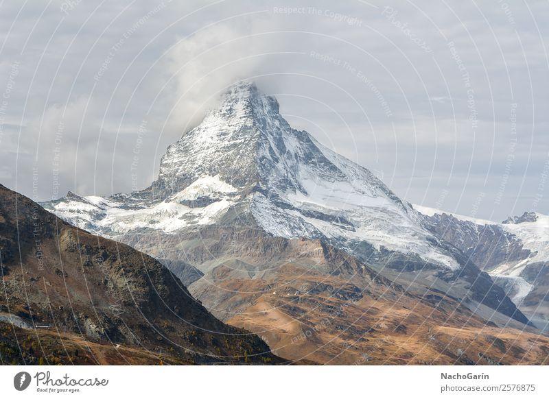 Erstaunliche Aussicht auf den Matterhorn Peak in der Schweiz Ferien & Urlaub & Reisen Tourismus Ausflug Abenteuer Expedition Winter Schnee Winterurlaub