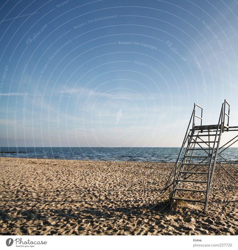 A Blue Sky for Jala Himmel Natur Wasser Strand Wolken Einsamkeit Erholung Herbst Umwelt Landschaft Sand Küste Metall Stimmung Horizont Kraft