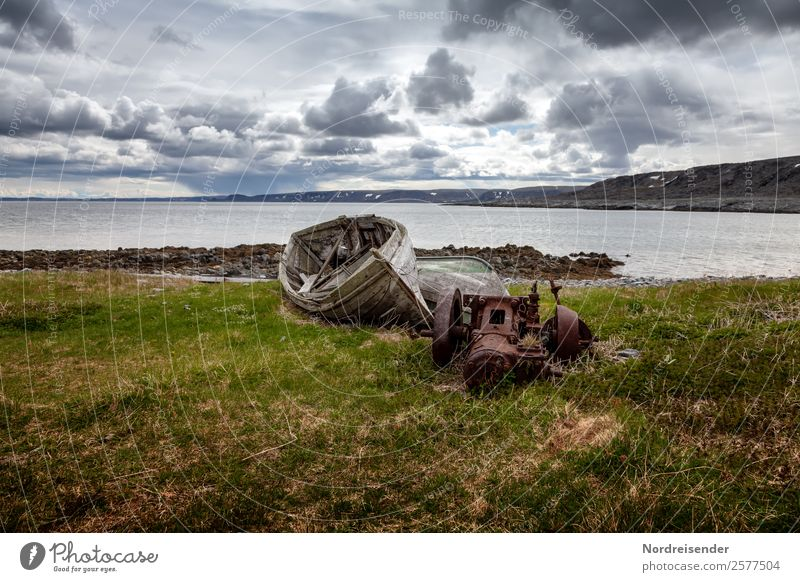 Das Herz .... oder den Motor verlieren Ferien & Urlaub & Reisen alt Wasser Landschaft Meer Wolken Ferne dunkel Wiese Küste Gras Tourismus Wind kaputt Klima