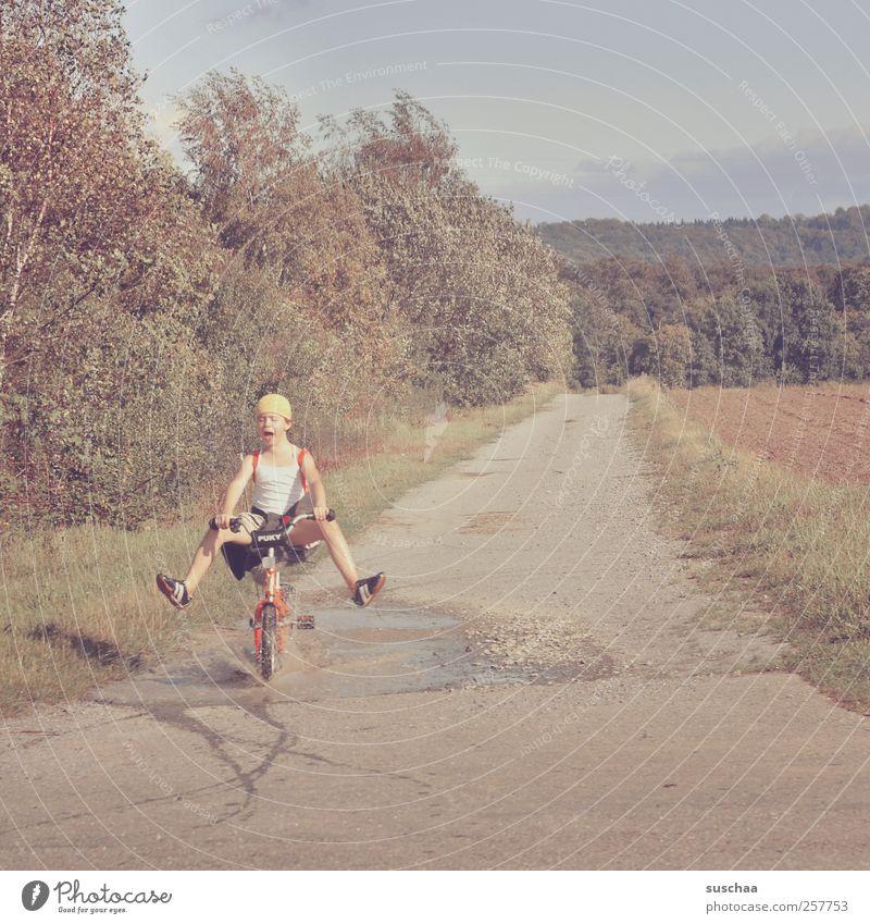 ab durch die mitte II Kind Mädchen 3-8 Jahre Kindheit Umwelt Natur Landschaft Sommer Klima Feld Fröhlichkeit wild Freude Leben Geschwindigkeit Beine Fahrrad