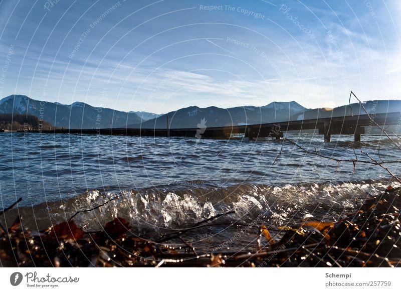 Ungefährliche Brandung Himmel Wasser kalt Landschaft Berge u. Gebirge See Wellen Erde nass natürlich Wassertropfen Alpen Gipfel Seeufer Schneebedeckte Gipfel