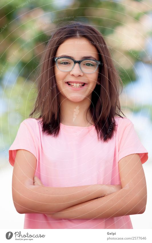 Bezauberndes Mädchen aus der Kindheit Lifestyle Freude Glück schön Gesicht Schulkind Mensch Frau Erwachsene Park genießen Fröhlichkeit klein lustig niedlich