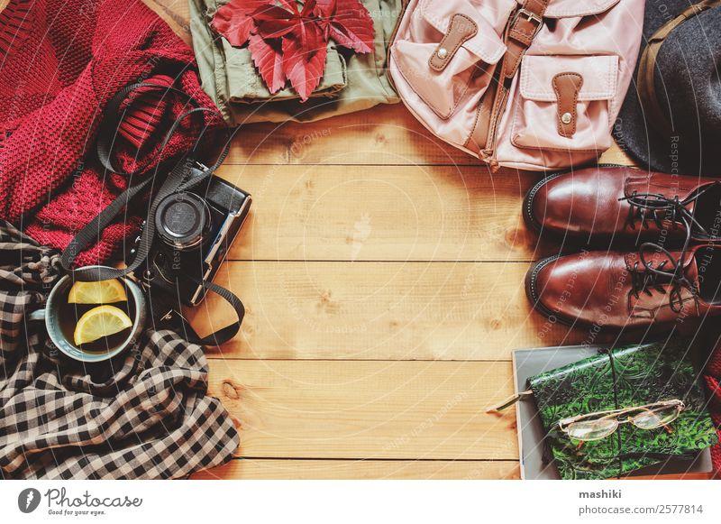 Herbst Frauen Mode Kleidung Set Lifestyle Stil Ferien & Urlaub & Reisen Ausflug Winter Fotokamera Erwachsene Bekleidung Pullover Accessoire Schuhe Stiefel Hut
