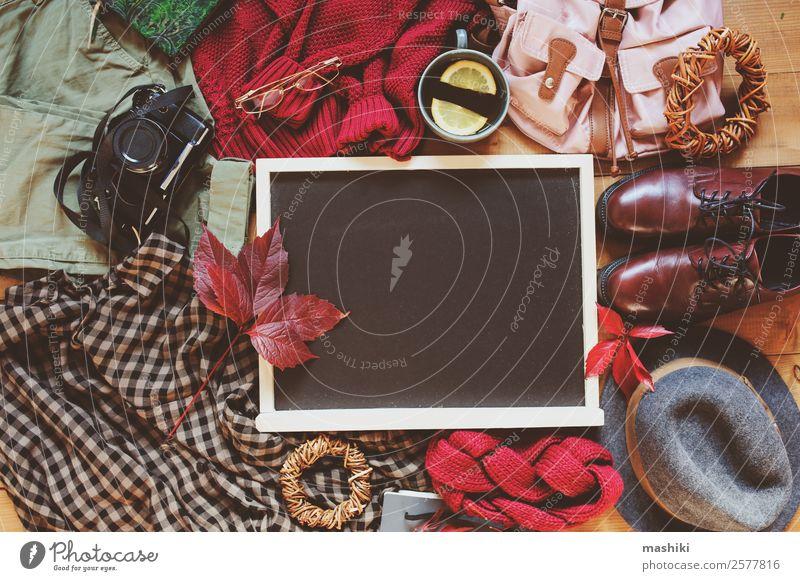 Herbst Frauen Mode Kleidung Set Lifestyle Stil Ferien & Urlaub & Reisen Ausflug Winter Fotokamera Erwachsene Blatt Bekleidung Pullover Accessoire Schuhe Stiefel