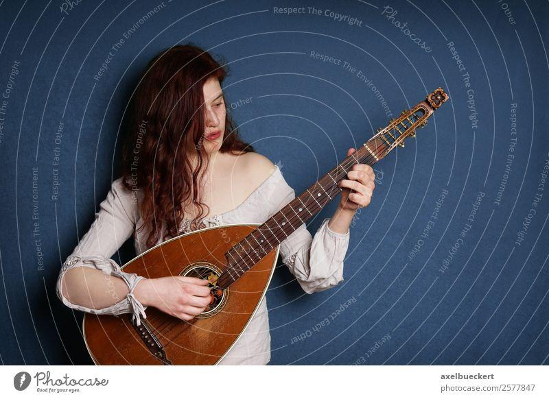 Die Lautenspielerin Lifestyle Freizeit & Hobby Entertainment Musik Mensch feminin Junge Frau Jugendliche Erwachsene 1 18-30 Jahre Musiker retro Gitarre