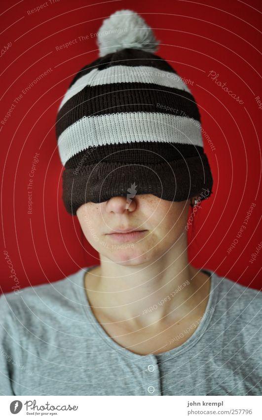 Murmansk Mensch rot Gesicht grau außergewöhnlich braun Fröhlichkeit einzigartig T-Shirt Gelassenheit Mütze trendy trashig skurril frieren bizarr