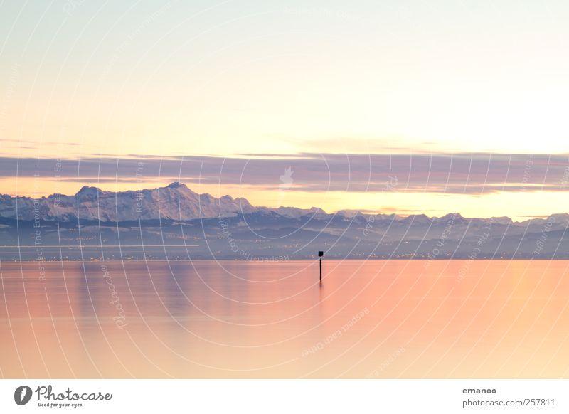 Alpensicht Himmel Natur Wasser schön Ferien & Urlaub & Reisen Winter Schnee Umwelt Landschaft Berge u. Gebirge Küste See hell Wetter Horizont Schilder & Markierungen