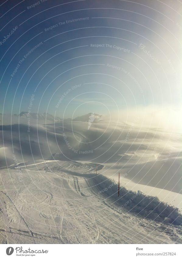 los gehts Freizeit & Hobby Sport Wintersport Skifahren Skier Skipiste Natur Landschaft Himmel Wolken Sonne Schönes Wetter Nebel Eis Frost Schnee Hügel Alpen