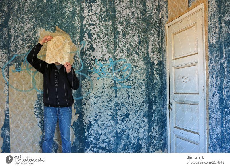 Mensch blau alt Haus Erwachsene Stimmung Raum Tür Papier retro verfallen gruselig Vergangenheit Tapete Verfall Verstand