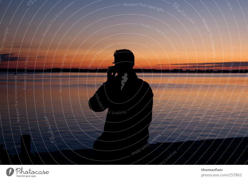 Zahnschmerzen ? Glück Ferne Sommer Sommerurlaub Strand Meer Insel Wellen Handy PDA Mann Erwachsene 1 Mensch Himmel Wolkenloser Himmel Nachthimmel Horizont