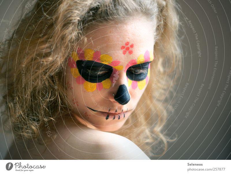 dios de los muertos IV Frau Mensch Jugendliche schön Erwachsene Gesicht Auge feminin Kopf Haare & Frisuren Traurigkeit Körper blond Mund Haut Nase