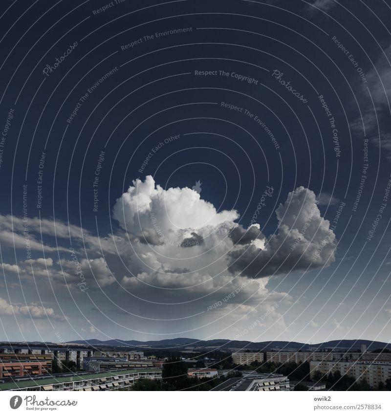Rauchwolke Umwelt Natur Luft Himmel Wolken Horizont Schönes Wetter Hügel Bautzen Lausitz Deutschland Stadtrand bevölkert Gebäude Plattenbau außergewöhnlich