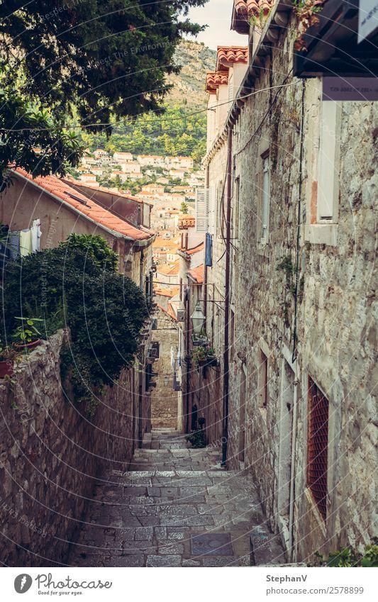 Gasse in Dubrovnik/Kroatien Ferien & Urlaub & Reisen Tourismus Ausflug Sightseeing Städtereise Sommer Sommerurlaub Europa Stadt Stadtzentrum Altstadt
