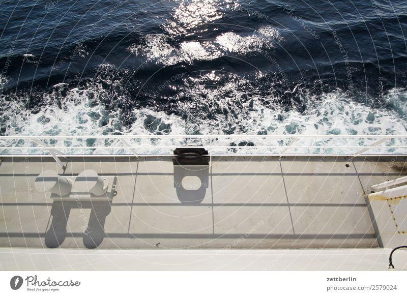 Reling Polarmeer Europa Fähre Ferien & Urlaub & Reisen Fischereiwirtschaft Fjord Hafen maritim Meer nordisch Norwegen Reisefotografie Wasserfahrzeug Schifffahrt