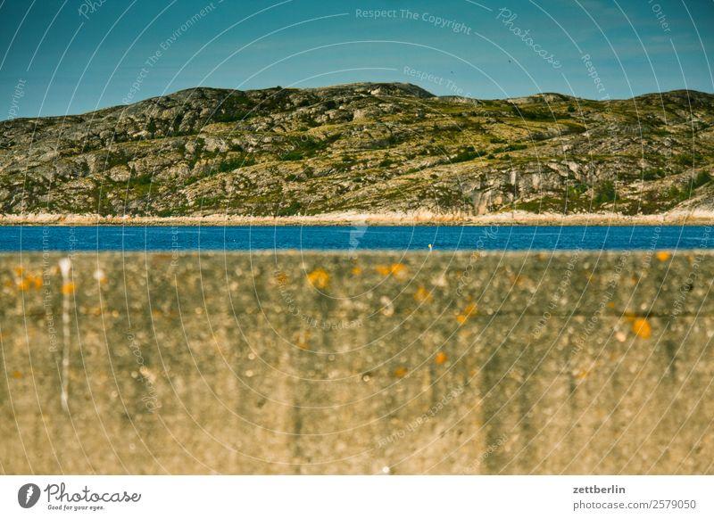 Hafeneinfahrt Bodø Beton Betonmauer Mauer Polarmeer Europa Felsen Ferien & Urlaub & Reisen Fjord Himmel Himmel (Jenseits) Horizont Insel Landschaft Lofoten