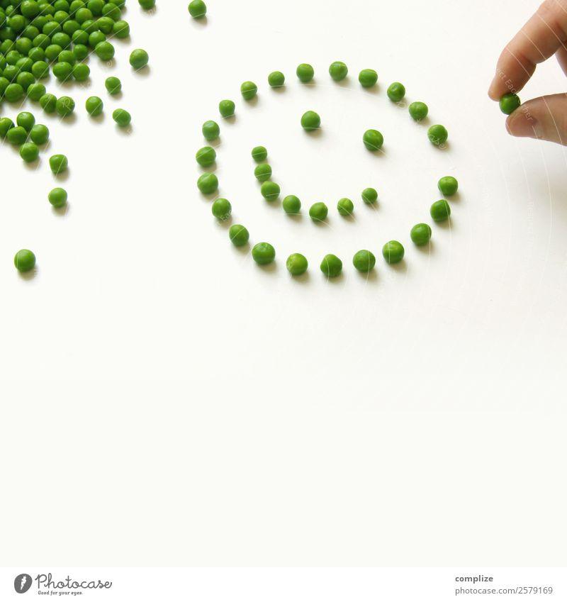 Smiling Peas Lebensmittel Gemüse Ernährung Essen Bioprodukte Vegetarische Ernährung Diät Gesicht Gesunde Ernährung Spielen Kindererziehung Schule Hand viele
