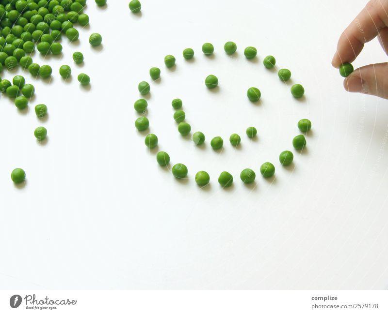 Erbsen Smiley Gemüse Ernährung Essen Mittagessen Bioprodukte Vegetarische Ernährung Diät Freude Gesicht Spielen Hand viele Optimismus Dinge Speise Motivation