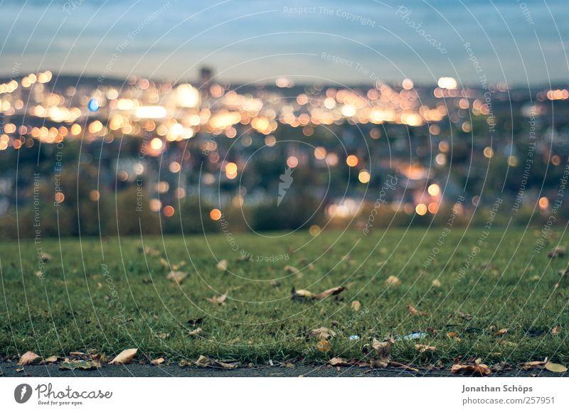 Blick auf Sheffield III Himmel Natur blau grün Stadt Ferne Landschaft Wiese Herbst Gefühle Gras Horizont Park Stimmung gold Energiewirtschaft