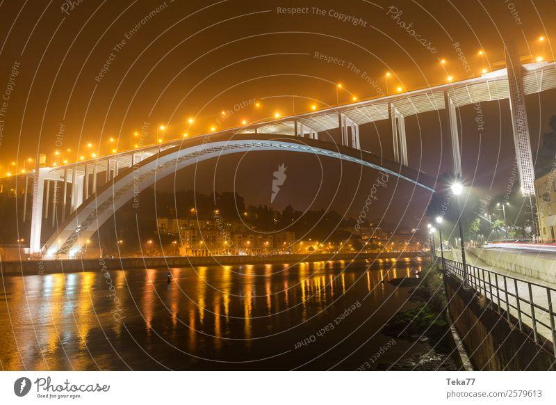 Porto Brücke Abends Sommer Portugal Hafenstadt Abenteuer ästhetisch Duoro Farbfoto Menschenleer Nacht Licht Schatten