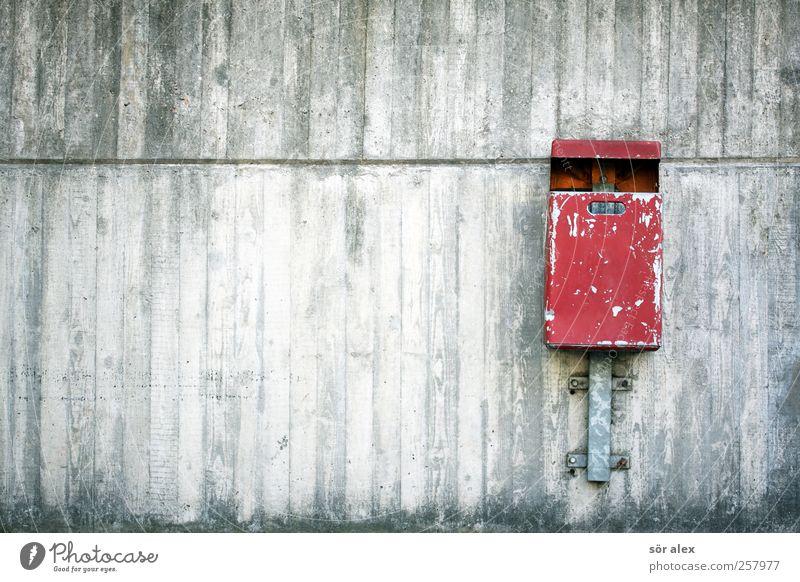 clean Stadt rot Wand grau Mauer Gebäude Metall Fassade Beton Stadtleben Sauberkeit Müll Bauwerk Stadtzentrum Umweltschutz eckig