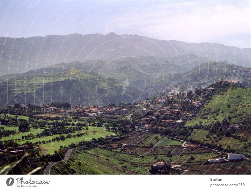 Andre Länder, andre... Sonne Berge u. Gebirge glänzend Nebel Europa Dorf Spanien Gran Canaria