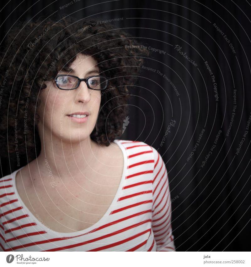 bette Mensch feminin Frau Erwachsene 1 30-45 Jahre Brille Haare & Frisuren brünett Locken Afro-Look Blick Farbfoto Innenaufnahme Textfreiraum rechts