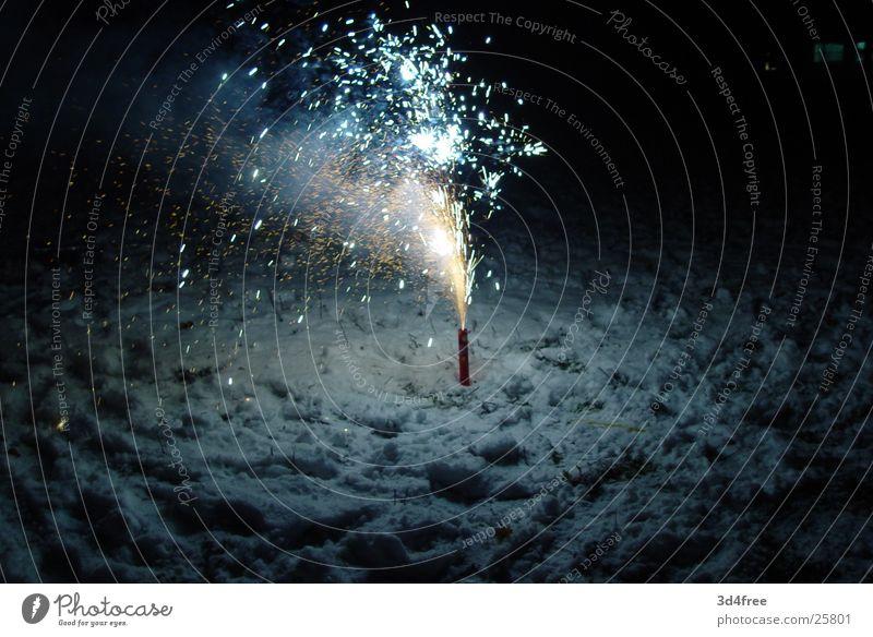 2004 Silvester u. Neujahr Freizeit & Hobby Feuerwerk Vulkan Funken sprühen