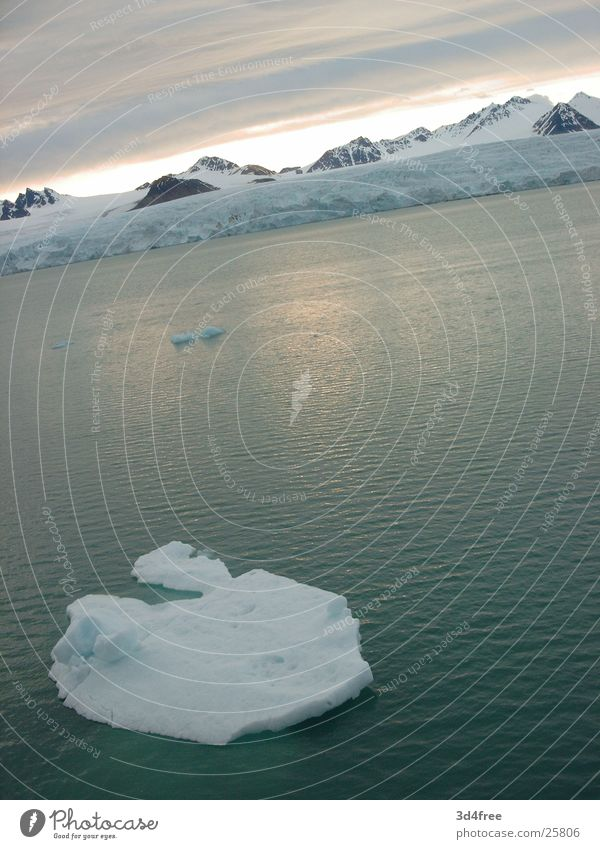 Eisberg Meer kalt Schnee See Grundbesitz Kreuzfahrt Norwegen Eisscholle Antarktis Nordland
