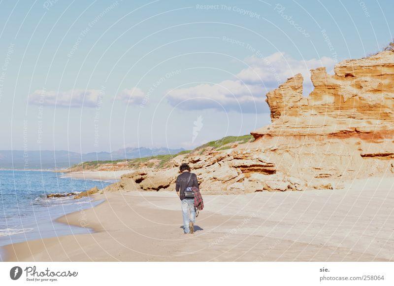 Der Suchende Glück Freizeit & Hobby Ausflug Abenteuer Ferne Freiheit Meer Landschaft Sand Himmel Wolken Insel Stein Wasser Fußspur atmen beobachten Denken