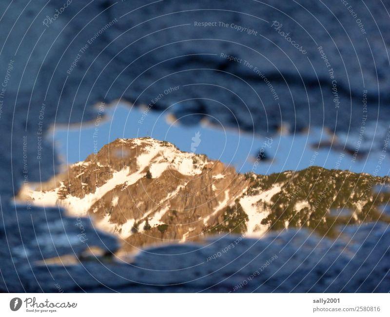 Erster Blick in den Winter... Landschaft Schönes Wetter Eis Frost Alpen Berge u. Gebirge Schneebedeckte Gipfel Ferne Einsamkeit Natur Reflexion & Spiegelung