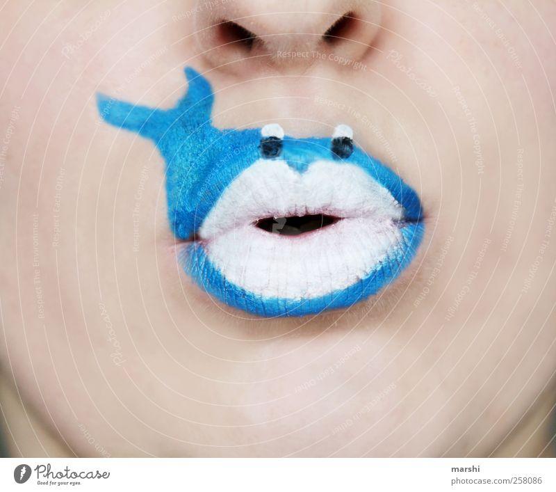 Blauwal Mensch Haut Kopf Gesicht Mund Lippen Tier Wildtier Tiergesicht 1 blau weiß Fisch Schminke angemalt hellhäutig Symbole & Metaphern Meeressäuger