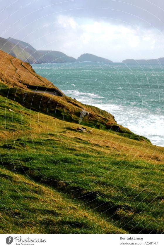 Wind und Wetter Erholung Ferien & Urlaub & Reisen Abenteuer Ferne Meer Wellen Natur Landschaft Wasser Wolken Hügel Küste frisch hell saftig wild blau grün