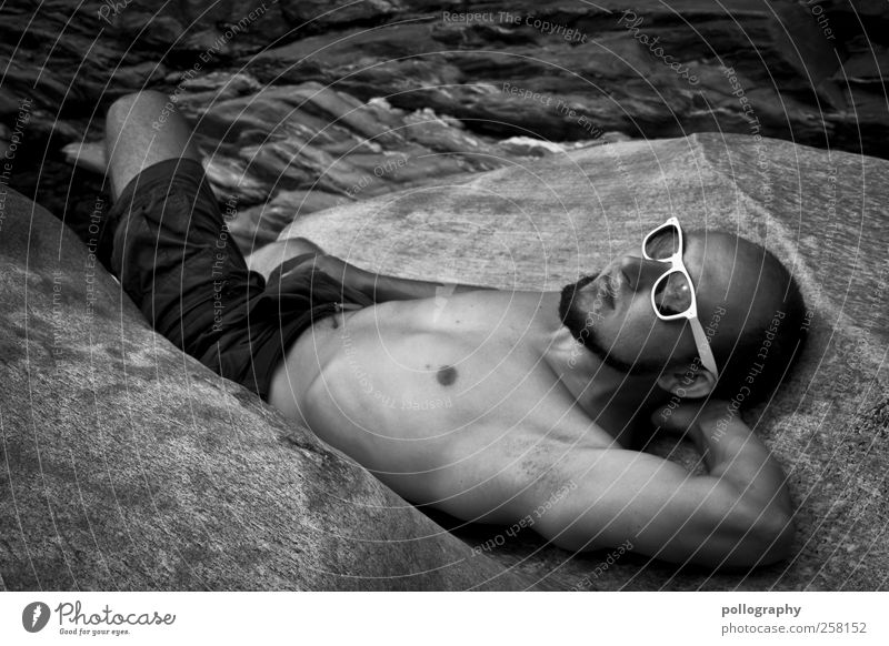 take a break Mensch Mann Natur Jugendliche ruhig Erwachsene Erholung Landschaft Leben Berge u. Gebirge Zufriedenheit Felsen liegen maskulin 18-30 Jahre Junger Mann