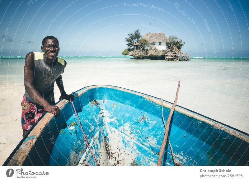 Mensch Natur Ferien & Urlaub & Reisen Jugendliche Sommer blau Wasser Junger Mann Sonne Meer Freude Strand 18-30 Jahre Erwachsene Gefühle Küste