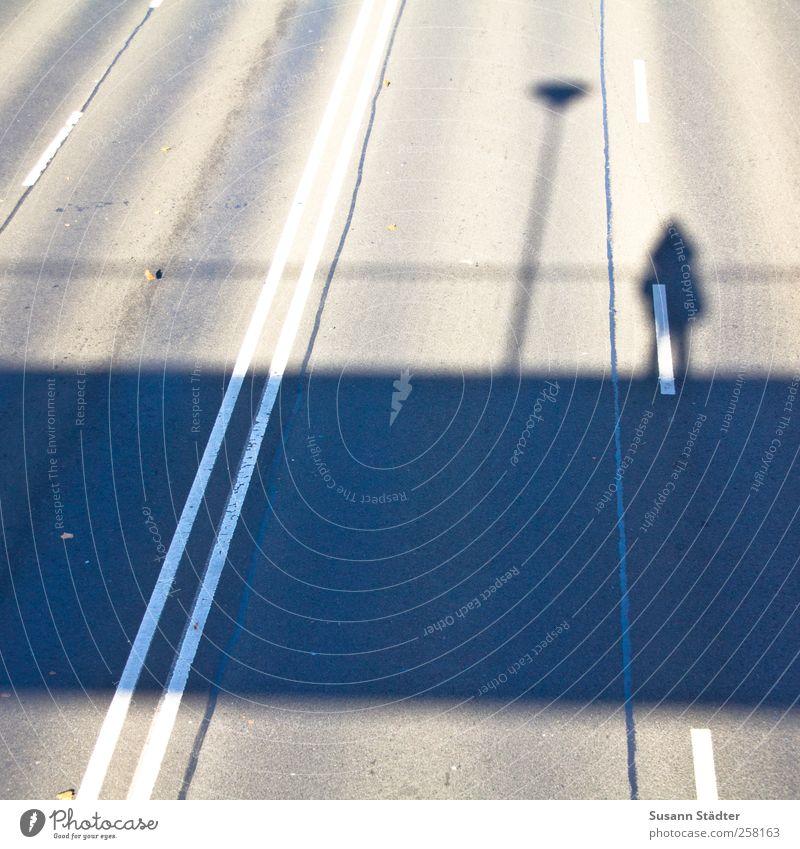 porcelain. Mensch Frau Erwachsene Architektur Körper beobachten Brücke Laterne Spuren Verkehrswege Brückengeländer Personenverkehr Autofahren Charakter