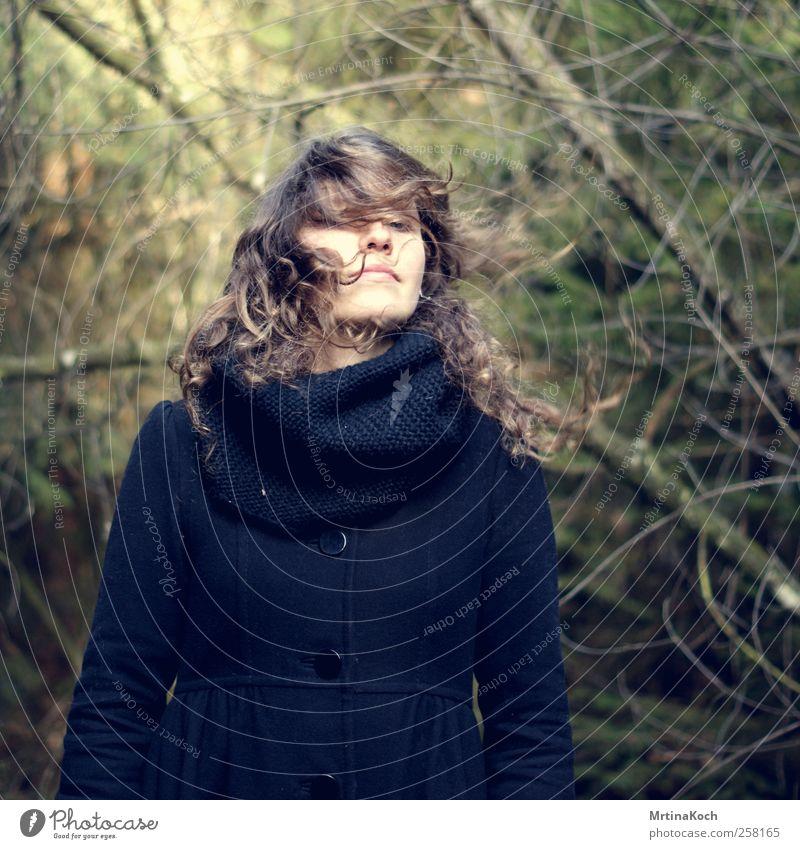 chumm nöcher. Mensch feminin Junge Frau Jugendliche Erwachsene Kopf Haare & Frisuren 1 18-30 Jahre Bewegung Politische Bewegungen schütteln Farbfoto mehrfarbig