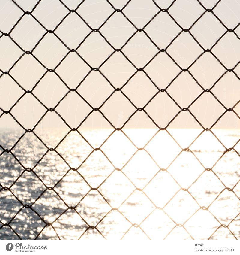Die Gedanken sind frei Himmel Wasser Meer Einsamkeit Ferne Umwelt Freiheit Traurigkeit Stimmung hell Wellen Horizont glänzend Perspektive Sicherheit