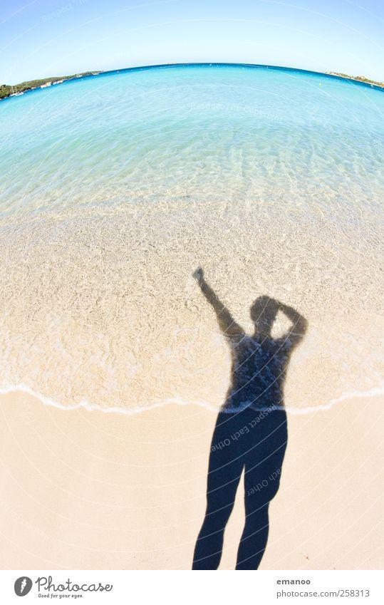 Urlaubsfreude Mensch Mann Natur Wasser Ferien & Urlaub & Reisen Sonne Sommer Meer Strand Freude Erwachsene Erholung Freiheit Sand Stil Horizont