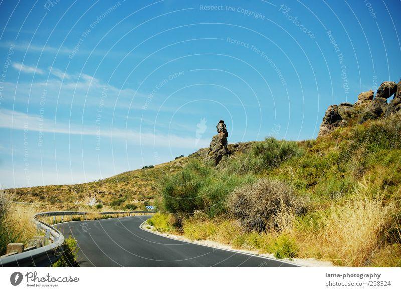 Sierra Nevada [II] Natur blau grün Pflanze Ferien & Urlaub & Reisen Straße Landschaft Berge u. Gebirge Felsen Ausflug Abenteuer Sträucher Hügel Spanien