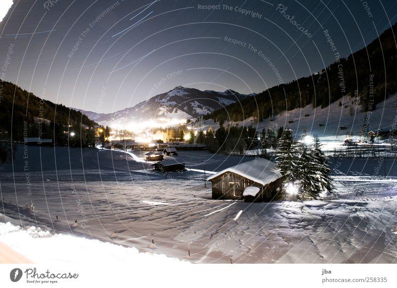 verträumte Winternacht Himmel Natur Winter Schnee Landschaft Berge u. Gebirge Freiheit Zufriedenheit Stern wandern Urelemente Alpen malen Dorf Gipfel Schönes Wetter