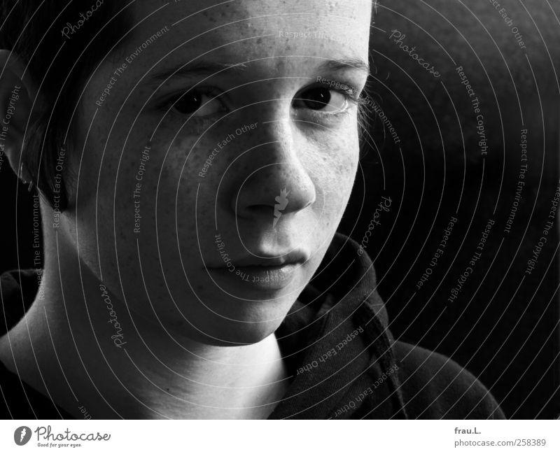 tief Mensch Kind Jugendliche schön Mädchen Gesicht Traurigkeit natürlich authentisch einzigartig weich 13-18 Jahre Junge Frau skeptisch unsicher
