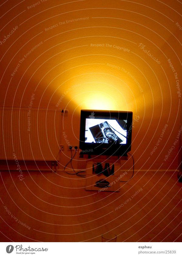 Flimmerkiste Fernseher Bildschirm Erkenntnis Licht Lichtspiel Stil Medien Entertainment Beleuchtung Aussehen Schatten