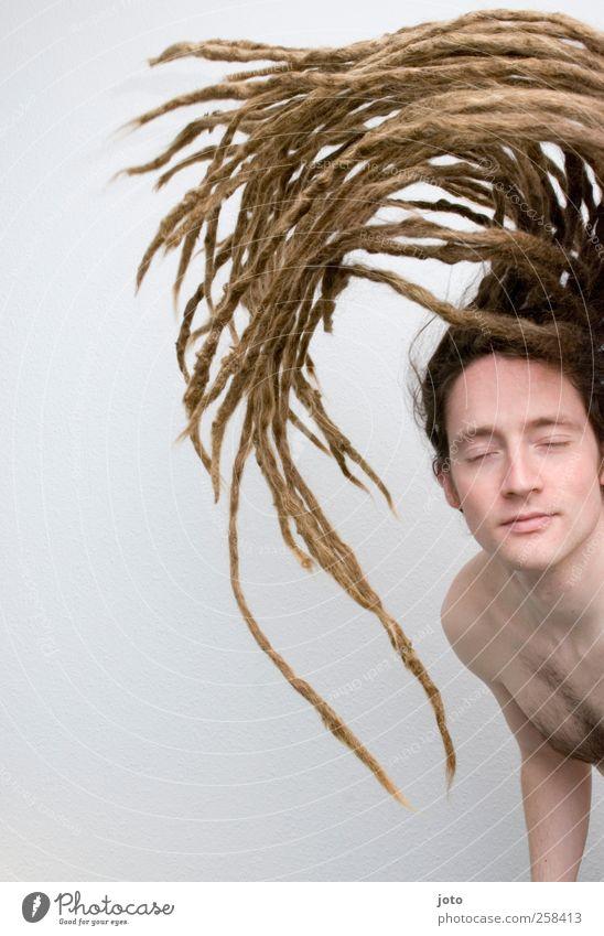 swing Jugendliche schön Junger Mann Bewegung Haare & Frisuren Feste & Feiern fliegen maskulin Tanzen Wachstum ästhetisch Coolness einzigartig lang Leidenschaft
