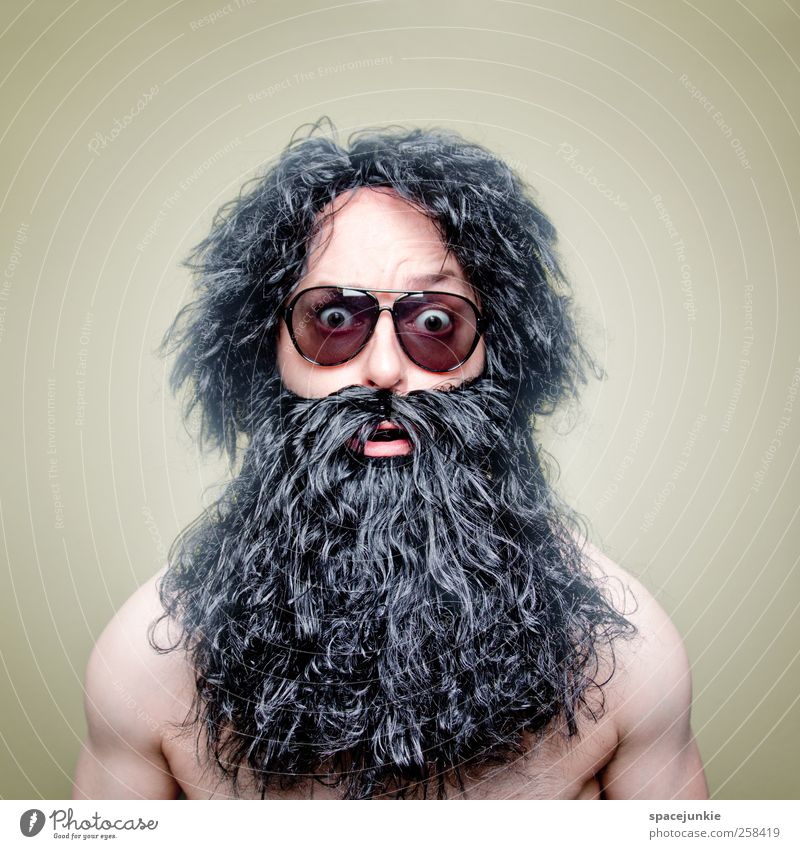 LSD Mensch Mann schwarz Erwachsene Auge außergewöhnlich maskulin verrückt bedrohlich Brille einzigartig beobachten skurril Bart trashig Rauschmittel